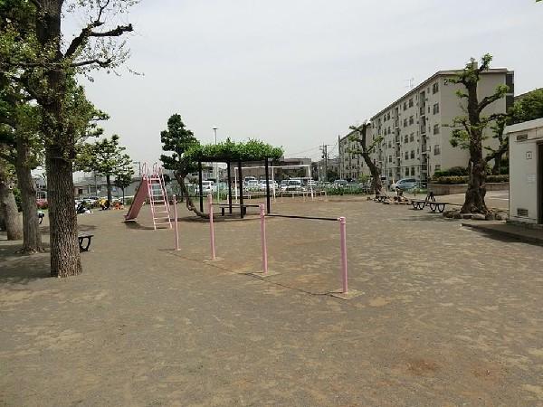 台町公園(台町公園まで300m 公園近くでお子様も安心して遊べます♪)