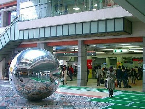 日吉駅(東急東横線人気の日吉駅です。始発もある駅で通勤に便利です!学生も多く商店も充実しています!)